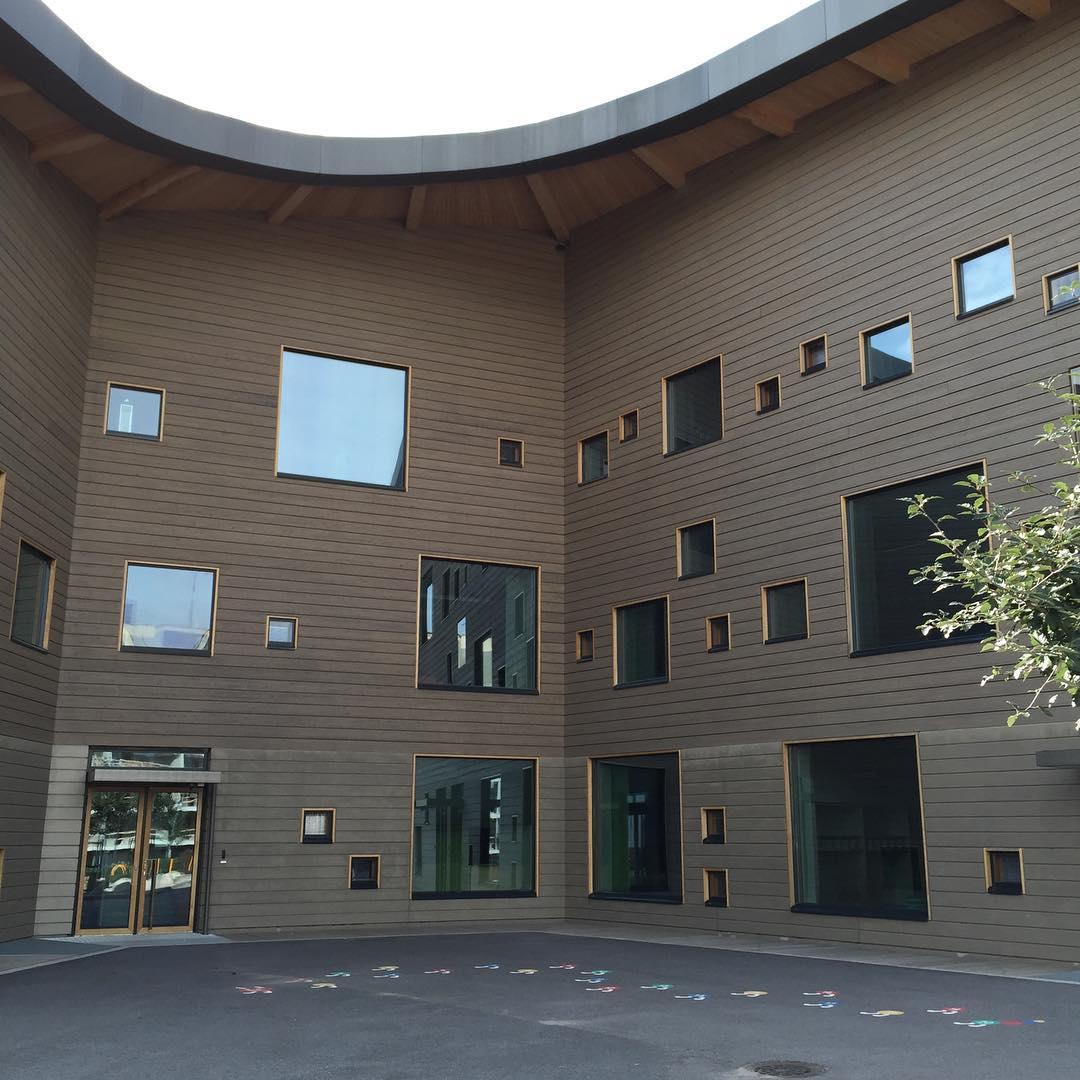 Saunalahti School windows