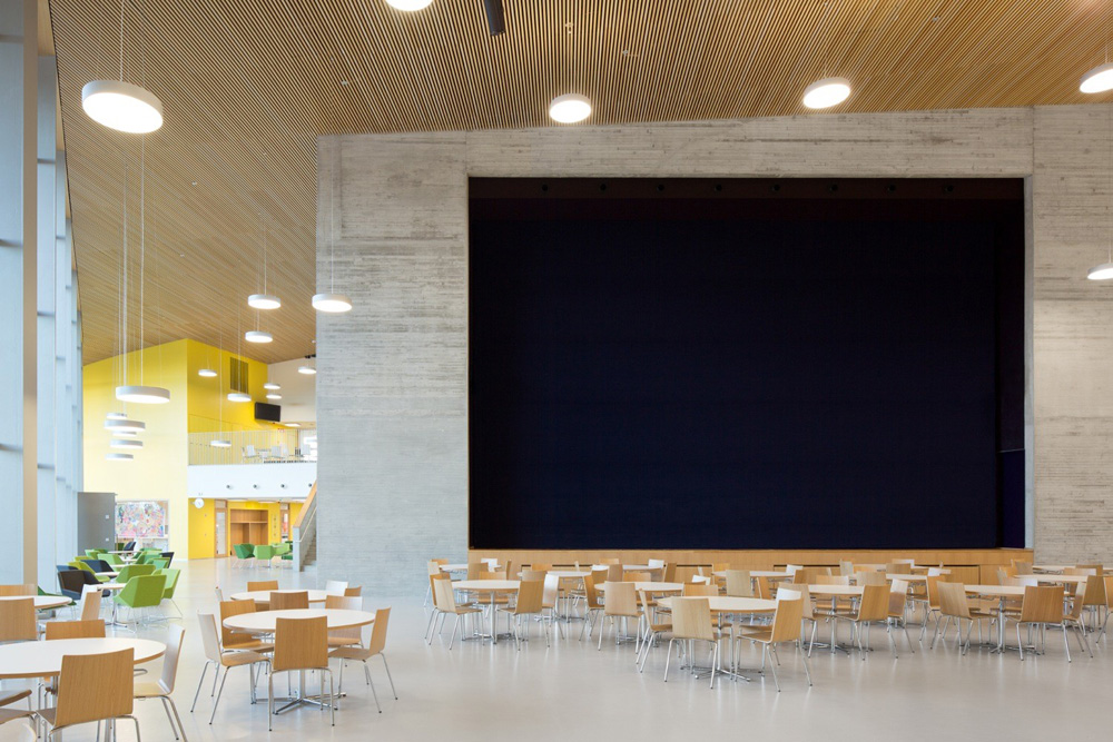 Saunalahti school theatre