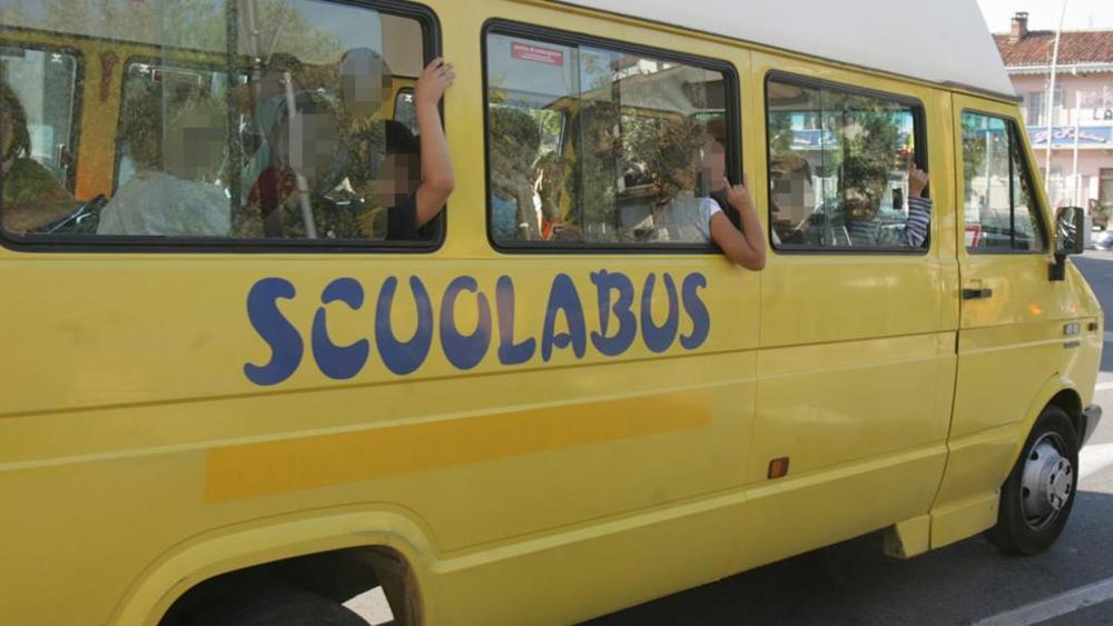 autista dello scuolabus