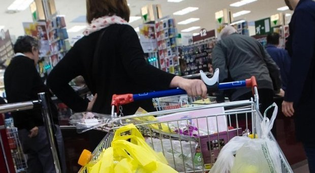razzismo al supermercato