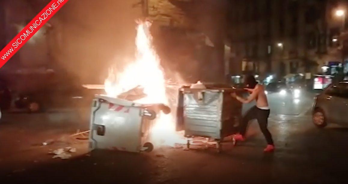 Ragazzino Incendia Cassonetti