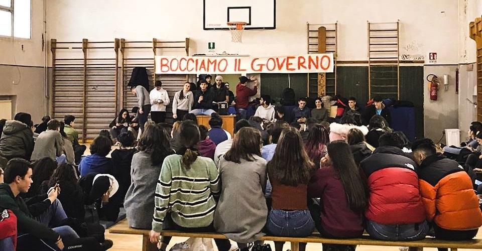 Studenti Bocciano il Governo