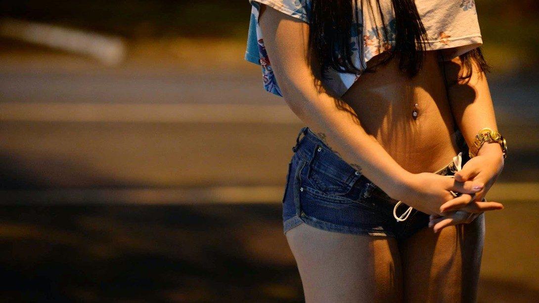 Madre Faceva Prostituire La Figlia