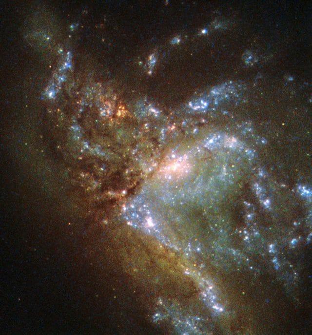 Scontro tra Due Galassie fusione