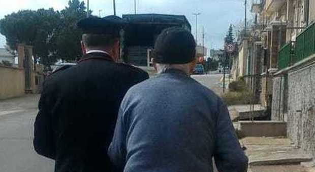 96enne Chiama i Carabinieri