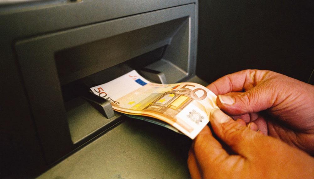 Prelevare allo Sportello del Bancomat