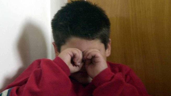 bimbo di 3 anni abusato da padre