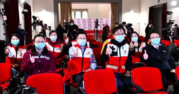 medici e infermieri cinesi