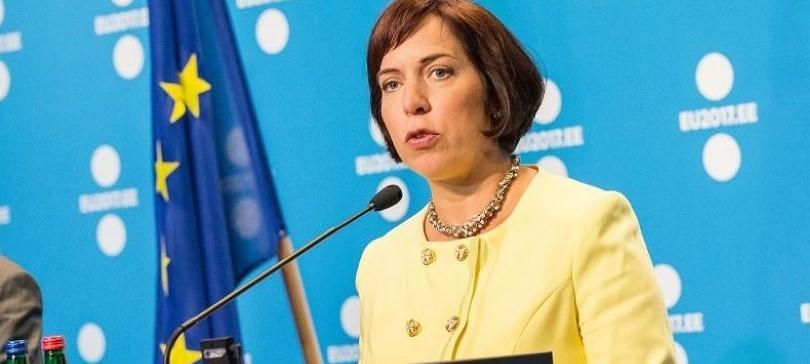 ministra dell'educazione estone si dimette