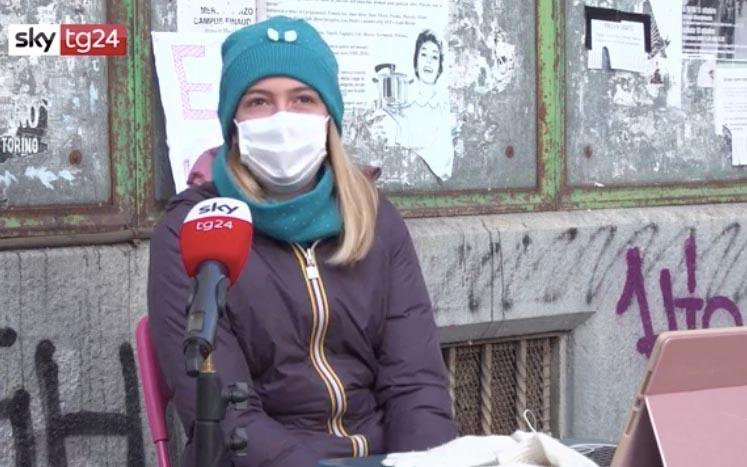 Anita Persevera Nella sua Protesta