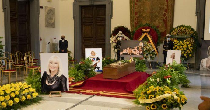 Addio a Raffaella Carrà