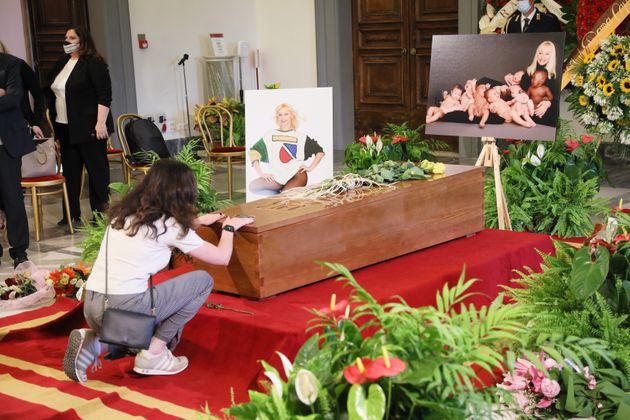 Funerali di Raffaella Carrà