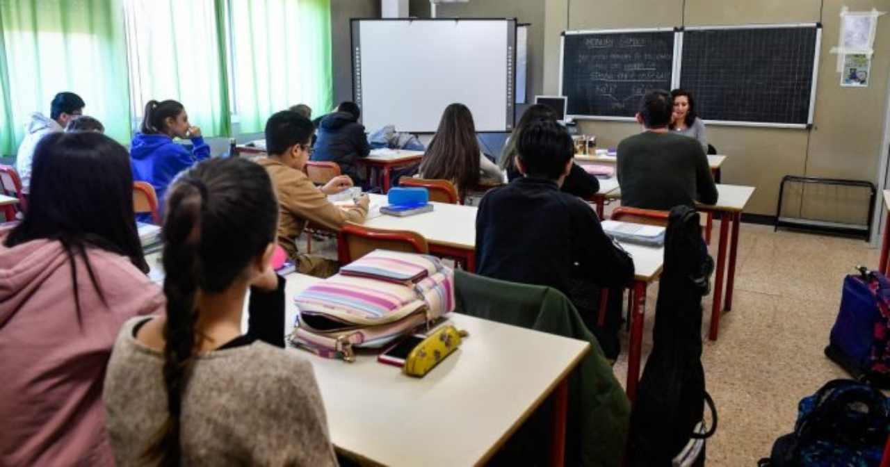 Due Studenti in Più in Classe
